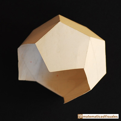 Dodecahedron plane net: build your own dodecahedron with paper | matematicasVisuales