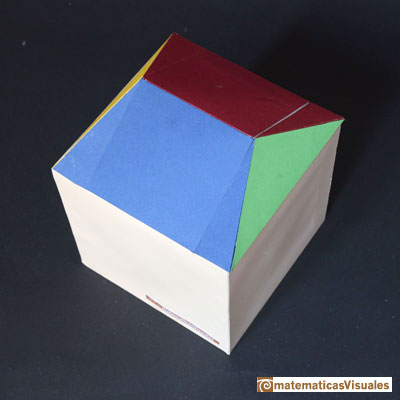 Dodecahedron and cube: to calculate the volume of one roof | matematicasVisuales