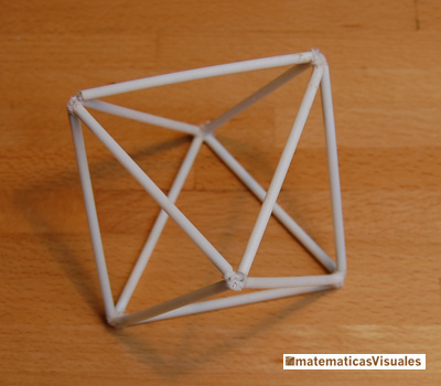 One octahedron made using 12 plastic tubes | matematicasvisuales
