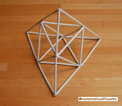 Octahedron and tetrahedra built using plastic tubes | matematicasvisuales